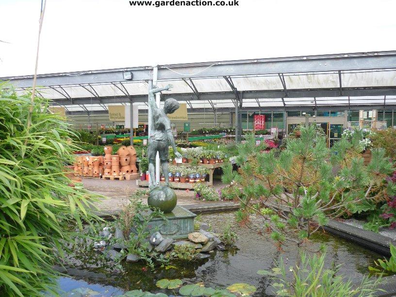 Garden Centre: Dobbies Garden Centre Milngavie