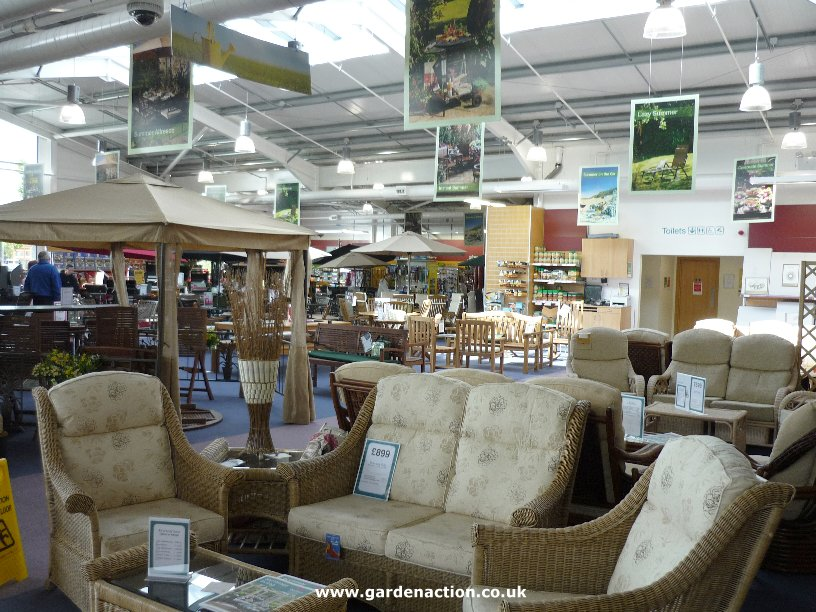 The Cafe And Food At Dobbies Southport