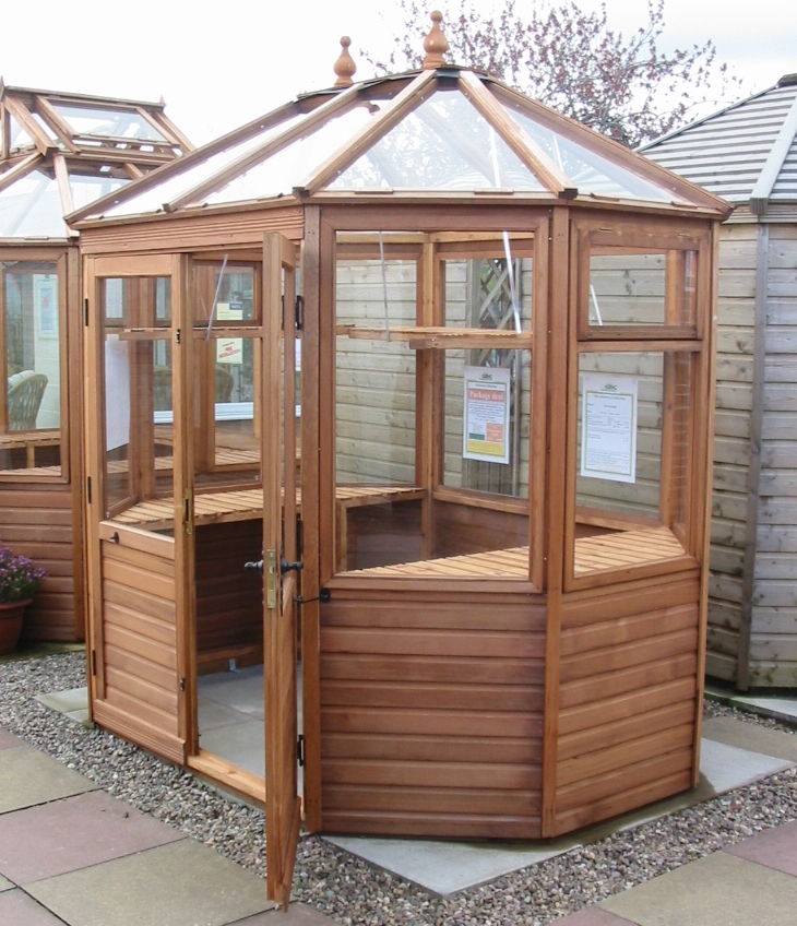 Seleceting the correct shape of for Small wooden greenhouse plans